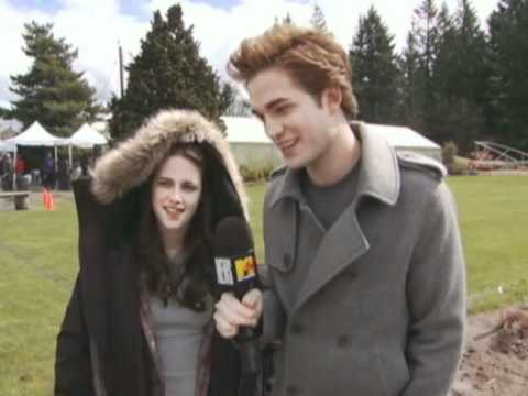 TwiTues~img_117270_outtakes-from-mtv-news-first-interview-with-robert-pattinson-and-kristen-stewart